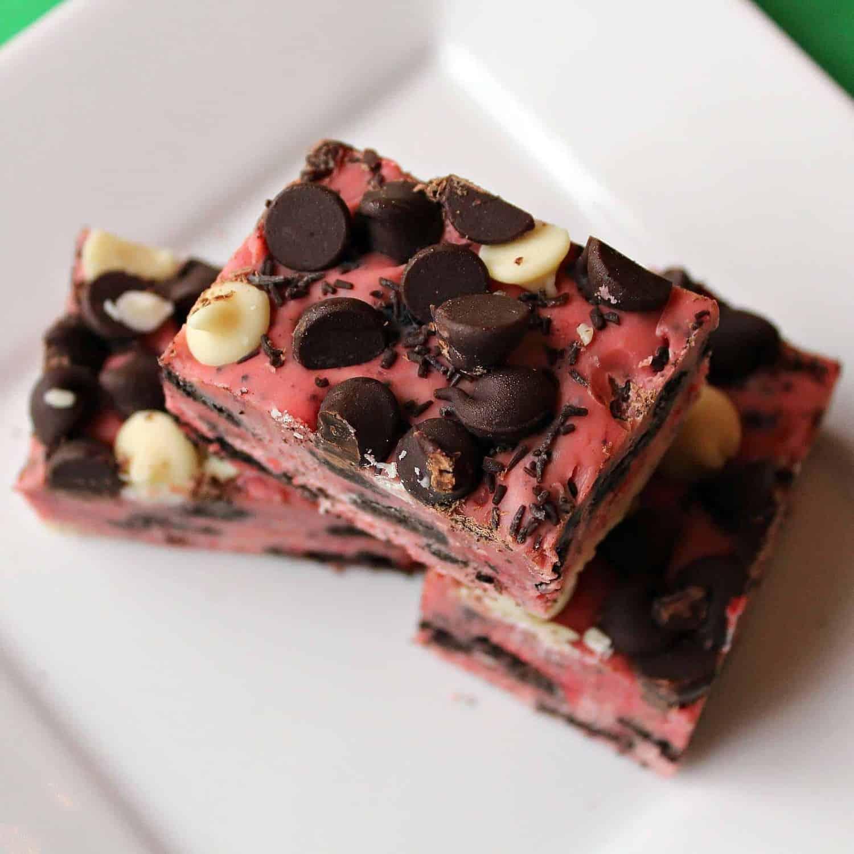 Easy {Holiday} Cookies and Cream Fudge - Rachel Cooks