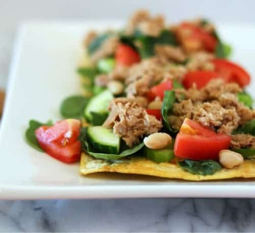 Tuna White Bean Salad Flatbread Pizza - 27 grams of protein and less than 300 calories! Get the healthy recipe on RachelCooks.com