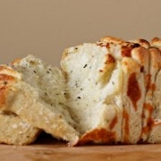 italian-herb-cheese-pull-apart-bread-3-600