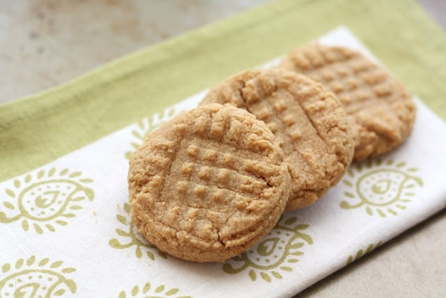 Peanut butter cookies 3 ingredients 4 - small