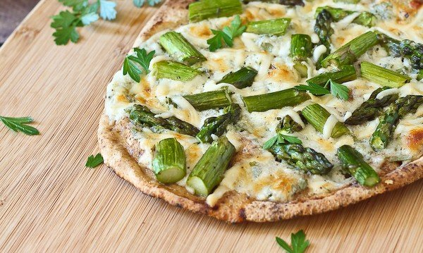Pita Flatbreads with Asparagus and Creamy Cottage Cheese Sauce - Get the easy and delicious summertime recipe on RachelCooks.com!