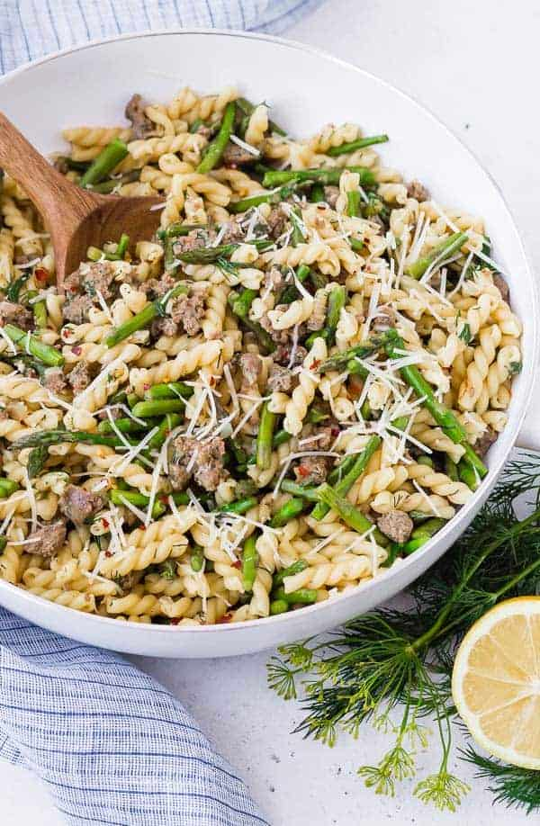 One Pan Lemon Pasta with Sausage, Asparagus, and Dill