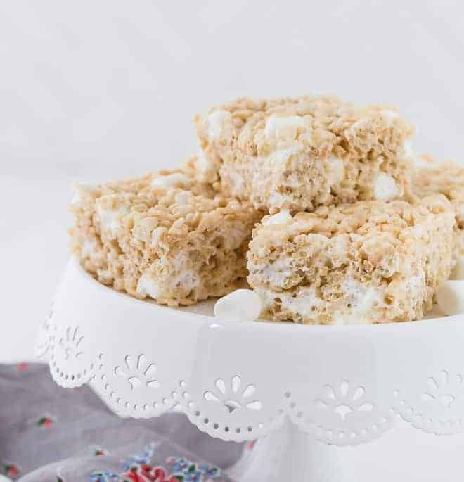 Image of a plate of perfectly fluffy rice krispies treats.