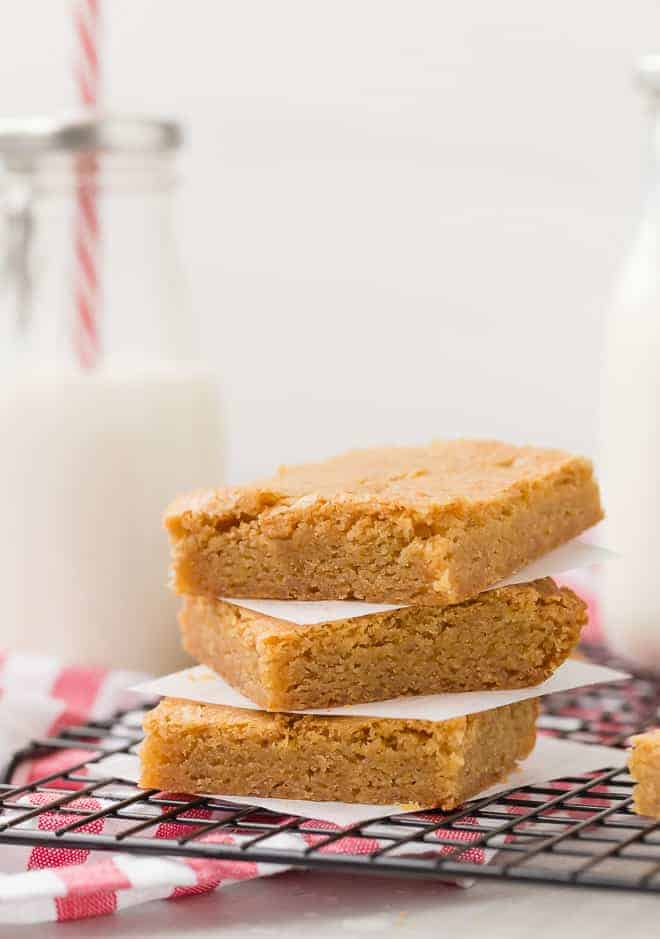 A stack of plain blondie bars.