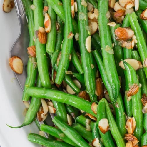 Image of classic french green beans almondine.