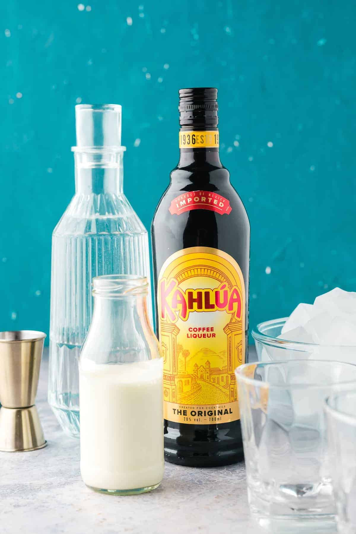 Ingredients needed for a white russian.